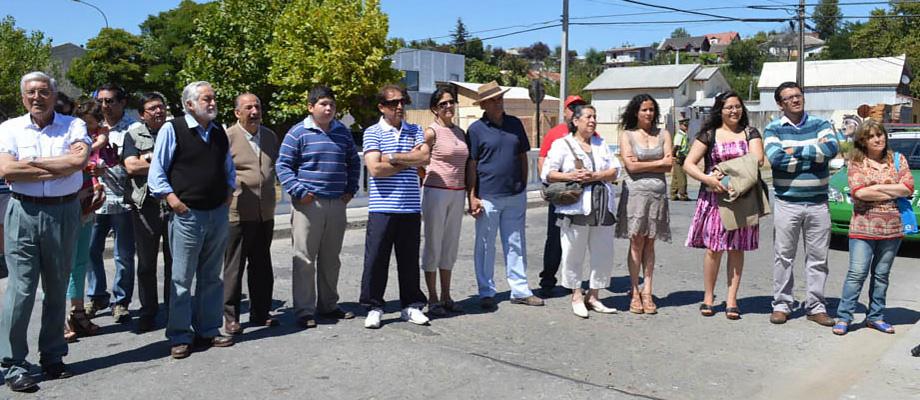 Vecinos de Penco presentes en la ceremonia.